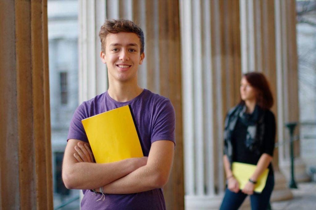 【留学経験者必見】留学経験どうアピールする?就活で留学経験をESに活かす方法10選