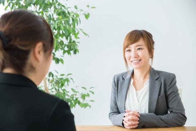 転職サイトやエージェントの利用で第二新卒の転職全般をサポートしてもらえる